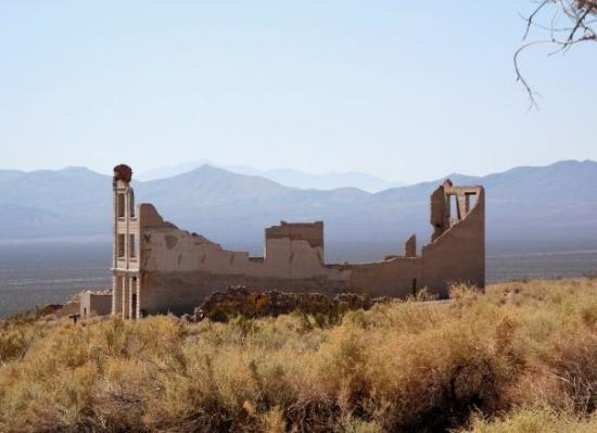 Pahrump, NV: somewhere in the NV deseret 10/2009 (Rhyolite Ghost town)bank from far away