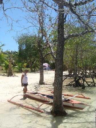 Majika's Island Resort: Majika Resort seafront