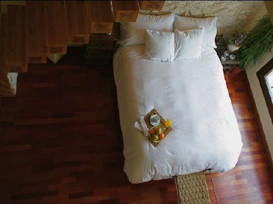 Camino de Soto B&B: Master Bedroom