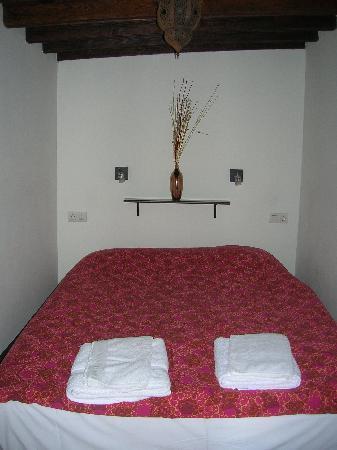 Apartamentos El Almez: habitación principal