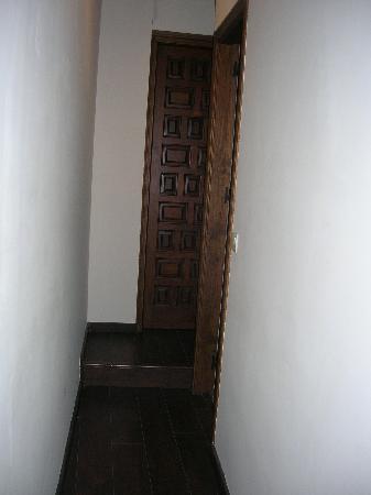 Apartamentos El Almez: suelo de parqué