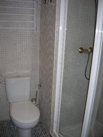 Apartamentos El Almez: baño