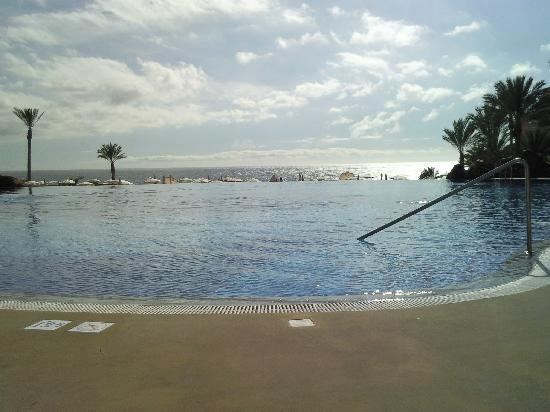Hotel Riu Buena Vista: View from the poolside