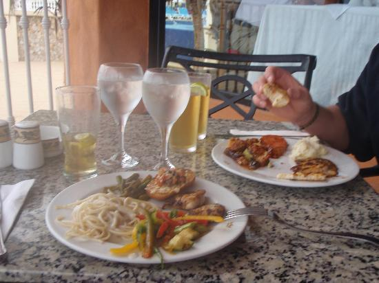 Hotel Riu Palace Cabo San Lucas: lunch buffet