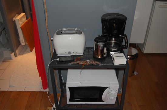 Maison Zen: cooking equipment