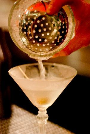 Rabble Taphouse & Grill: Martini pour