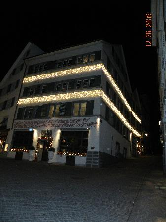 Kindli Hotel: hotel with lights