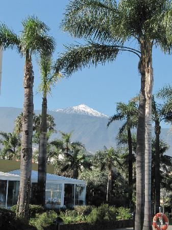 Hotel Tigaiga: Blick vom Pool zum Teide