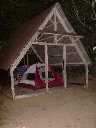 Tampolodge: camping on nosy mangabe