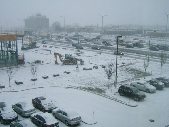 Hampton Inn And Suites Montreal: panorama from my window
