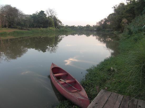 Lanna Dusita Riverside Boutique Resort: By the river