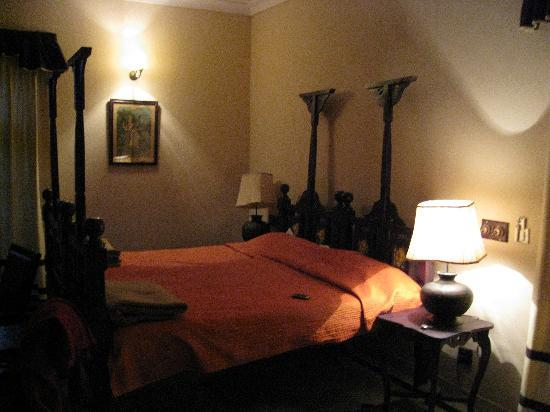 Devi Bhawan: Our bed