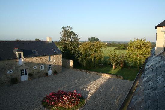 Les Chaufourniers: Garden view