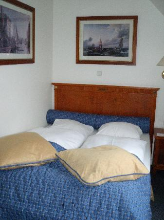 Copenhagen Strand: Comfortable, plush bed