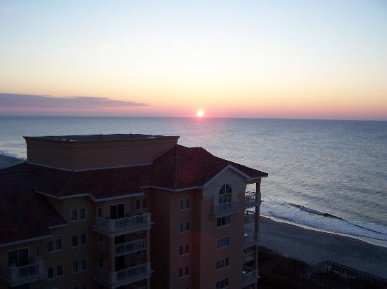 Marriott's OceanWatch Villas at Grande Dunes: sunrise
