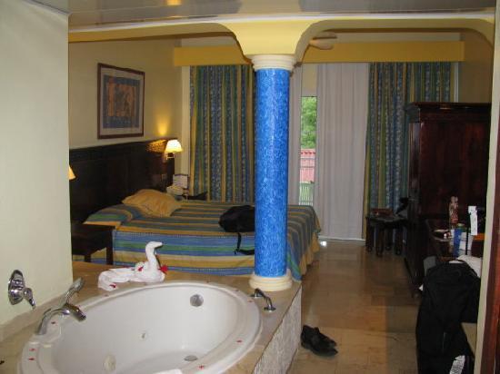 Grand Palladium Bavaro Suites Resort & Spa: room 7119