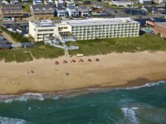 Ramada Plaza by Wyndham Nags Head Oceanfront: Ariel view from ocean side