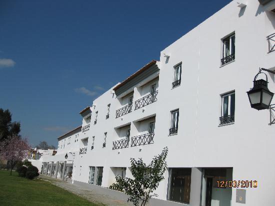 M'AR De AR Muralhas: Rear of hotel