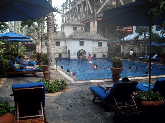 Le Meridien Jakarta: Pool