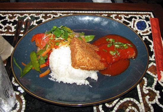 Yak and Yeti: fried mahi mahi with an excellent sauce