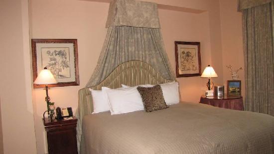 Hotel Granduca Houston: Master Bedroom