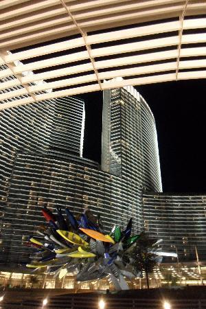Vdara Hotel & Spa at ARIA Las Vegas: Aria Hotel and Casino from Vdara entrance
