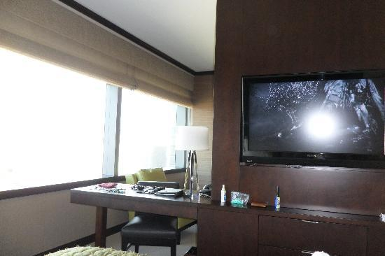 Vdara Hotel & Spa: View from bed showing TV and 2 of 3 windows.