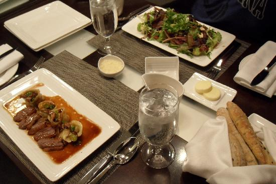 Vdara Hotel & Spa at ARIA Las Vegas: Our in-suite meal ready to eat! Very good food at good prices!