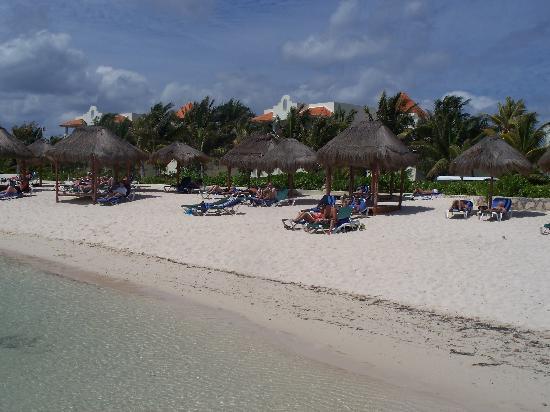 El Dorado Royale, by Karisma: beach in front of 3-4 block