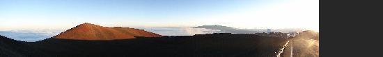 Arnott's Lodge and Hiking Adventures: summit of Mauna Kea