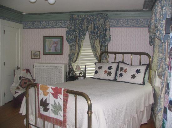 Maple Leaf Inn: Maple Leaf Room