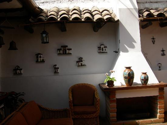 Casa Ordonez: Upstairs lounge