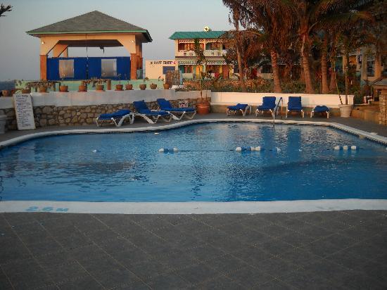 Samsara Cliffs Resort: Samsara Pool