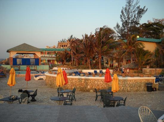 Samsara Cliffs Resort: Samsara Grounds