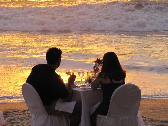 Hyatt Ziva Puerto Vallarta: A romantic dinner to remember forever.