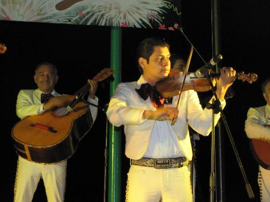 Hyatt Ziva Puerto Vallarta: Terrific entertainment every night