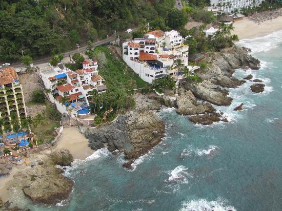 Hyatt Ziva Puerto Vallarta: Check out the neighbourhood from a parasail.