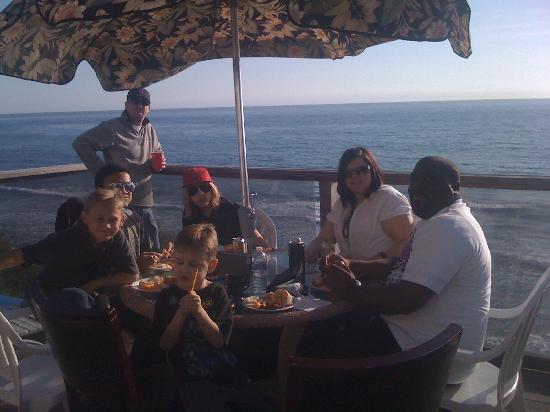 Laguna Riviera Beach Resort: Dinner at the beach- wonderful!
