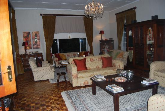 Naries Namakwa Retreat: The beautiful lounge at the Manor House
