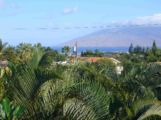 What a Wonderful World Bed and Breakfast: View of West Maui from breakfast lanai