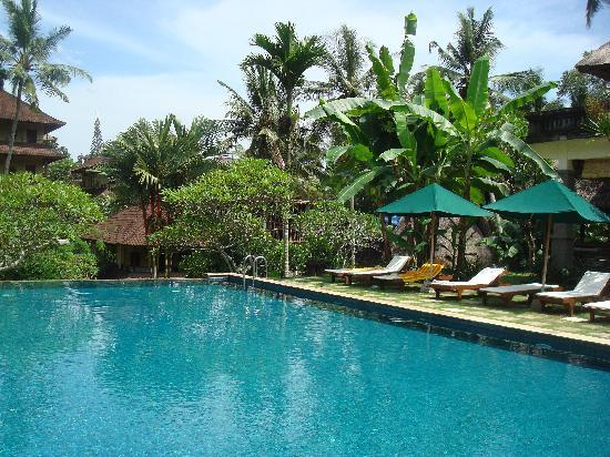 Pertiwi Resort & Spa: upper pool