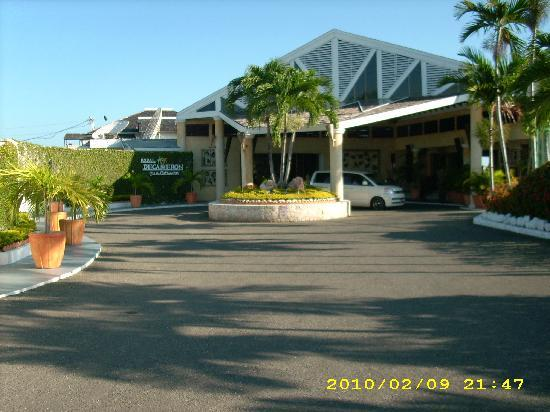 Royal Decameron Club Caribbean: Front of the Resort