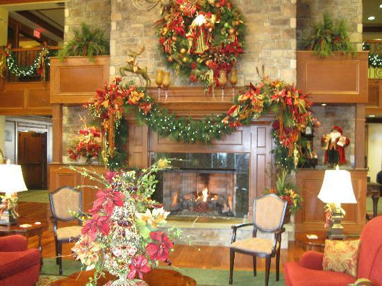 The Inn at Christmas Place: lobby