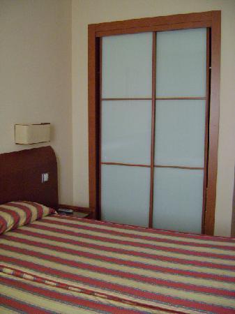 Hostal Residencia Torrijos: Habitación doble, Hostal Torrijos, Cheste, Valencia