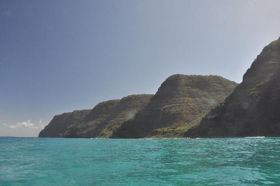Na Pali Makai: Right after Polihale beach, longest beach in Hawaii