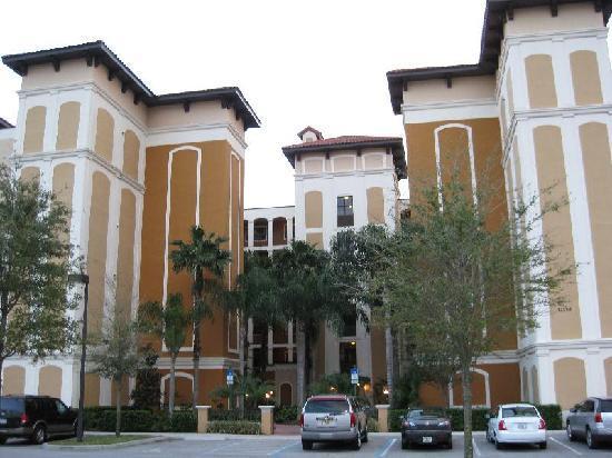 Floridays Resort: Building C front