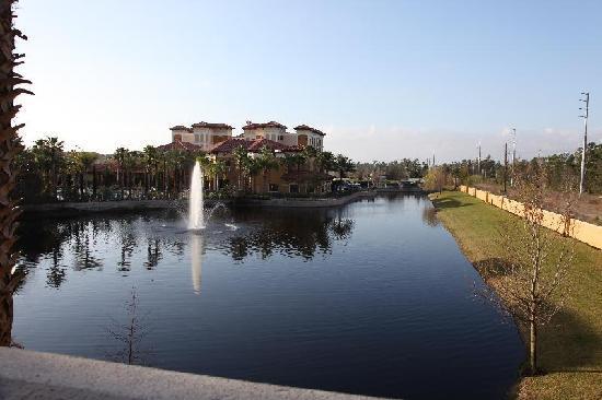 Floridays Resort: bldg C suite 209 view from balcony