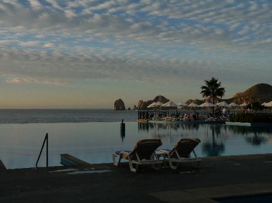 Hotel Riu Santa Fe: View of Lands End at from the Santa Fe pool