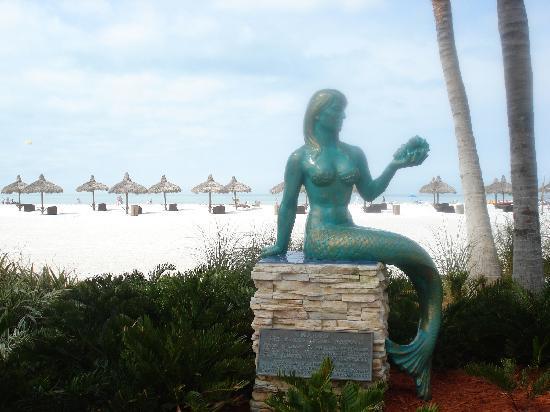 JW Marriott Marco Island: Mermaid watches over the beach