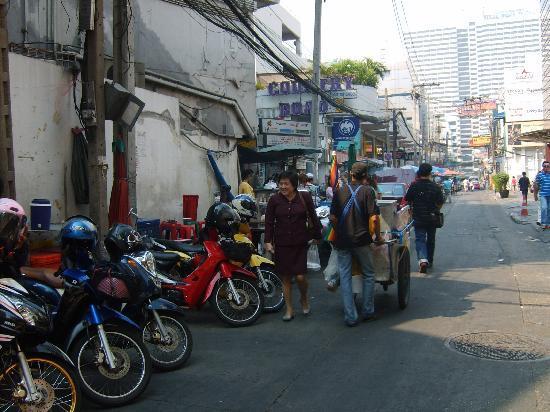 BelAire Bangkok Sukhumvit: road by hotel